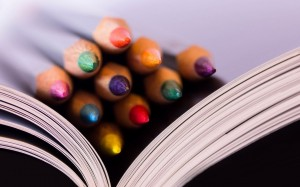 7016528-crayons